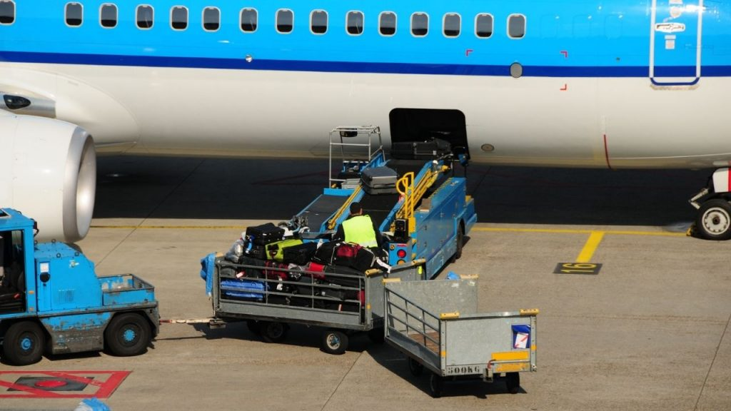Luggage policy for airlines